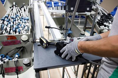Volkswagen Navarra configura puestos de trabajo específicos para 148 personas que no pueden trabajar en las líneas de producción 1