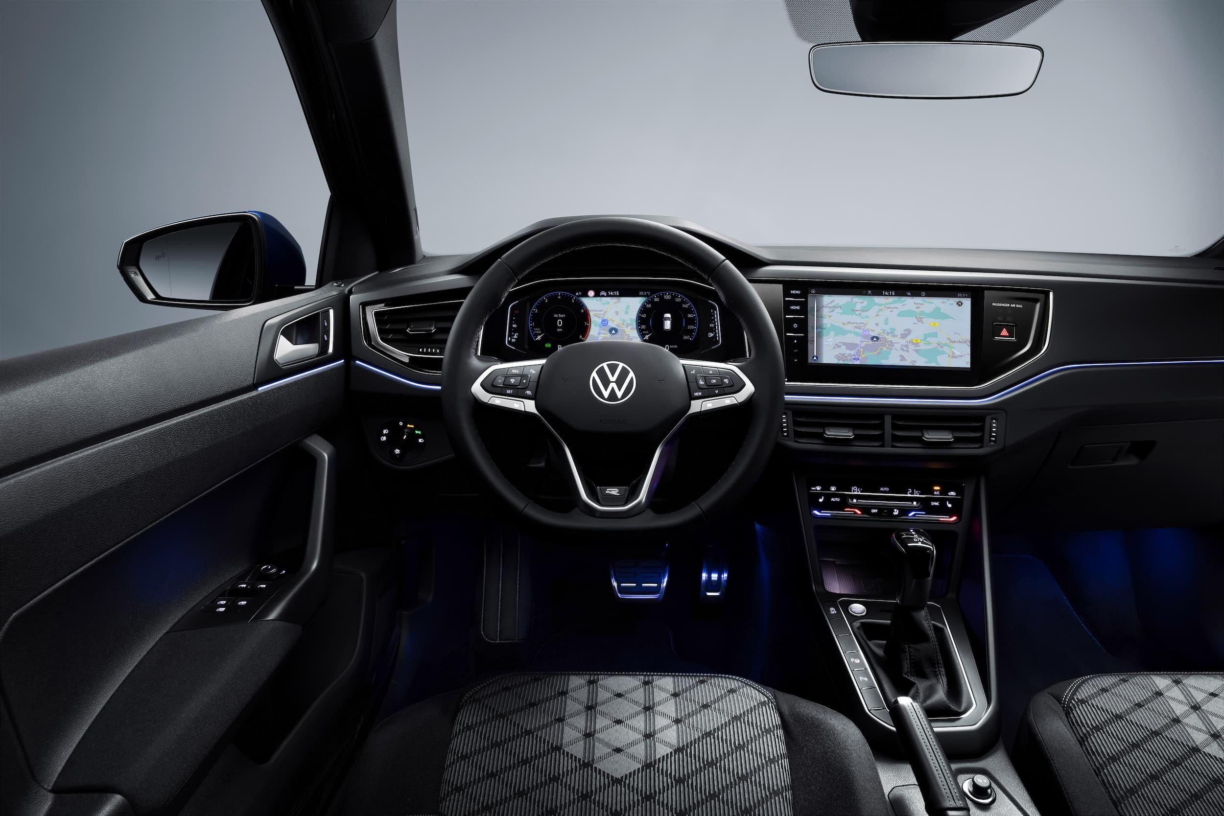 Nuevo Volkswagen Polo, uno de los primeros coches de su clase que circula de manera semiautomtica 7
